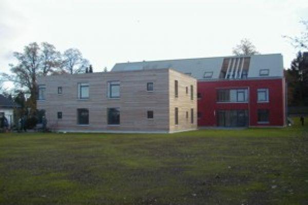 Foto von der Gartenseite der Wohnstätte